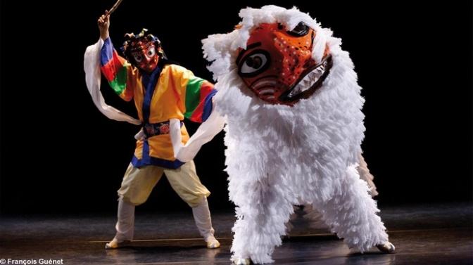 Tradycyjny teatr koreański ze szczególnym uwzględnieniem widowisk maskowych