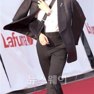Lee Jung Jae - najlepszy aktor drugoplan. w kat. filmowej