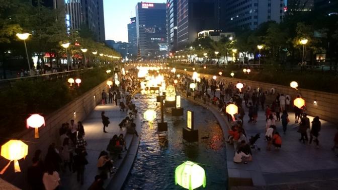 Turystyczne punkty must-see w Seulu – Cheonggyecheon II: festiwal lampionów