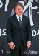 Chun Ho Jin3
