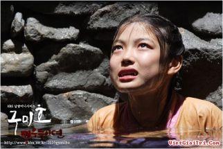Kim Yoo Jung w Gumiho Tale of a Fox's Child