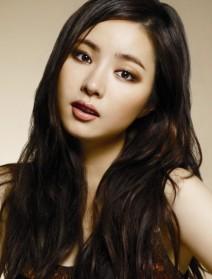 38. Shin Se Kyung