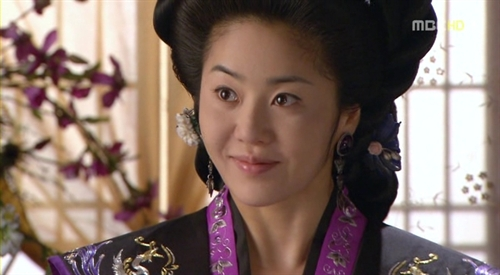 "Go Hyun Jung w ""Queen Seon Deok"""