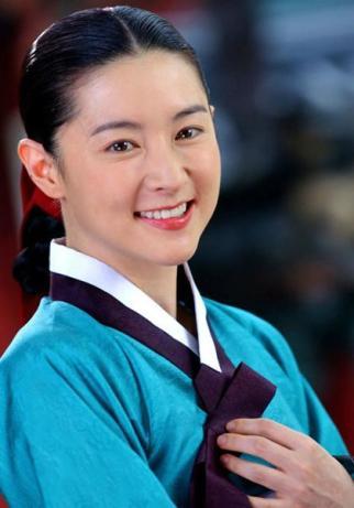 6. Jang Geum (Lee Young Ae) z Dae Jang Geum