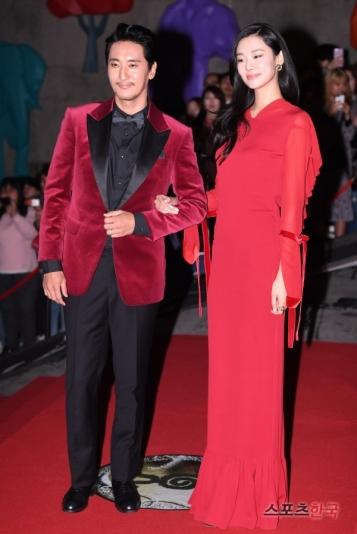 prowadzący gali Shin Hyun Jun & Stephanie Lee