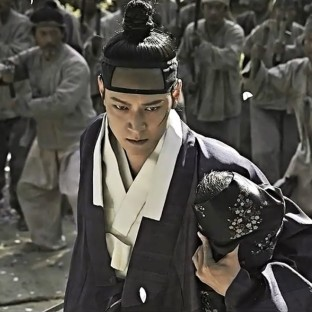 """Kang Dong Won w """"Kundo: Age of Rampant"""""""
