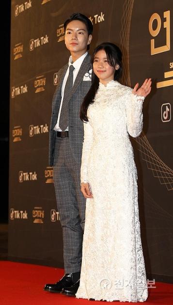 Ji Min Hyuk & Lee Re