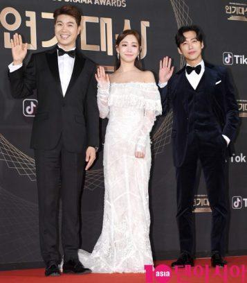 MC gali Park Soo Hong, Lee Yuri i Namgoong Min
