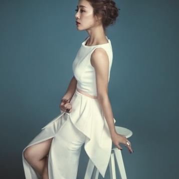Moon Jung Hee (1976, 43 lata)