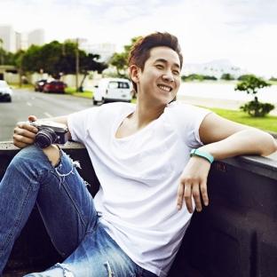 Lee Sun Gyun (1975, 44 lata)