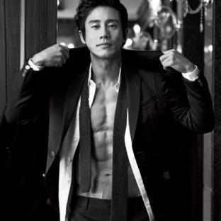 Shin Ha Kyun (1974, 45 lat)