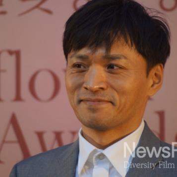 Jin Yong Wook