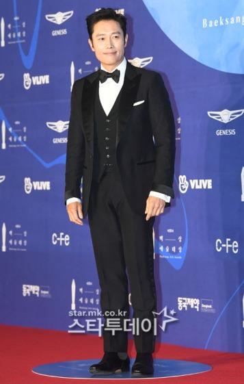 LEE BYUNG HUN - nominowany za rolę pierwszoplanową / zdobywca nagrody