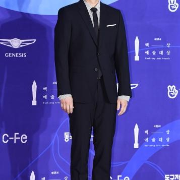 LEE SUN GYUN - nominowany za rolę pierwszoplanową