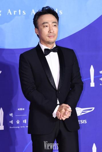 LEE SUNG MIN - nominowany za rolę pierwszoplanową / zdobywca nagrody
