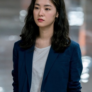 "Jeon Yeo Bin w ""Be Melodramatic"""
