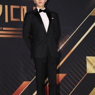 L / Kim Myung Soo