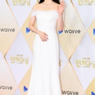 Park Shi Eun