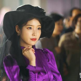 """IU w """"Hotel Del Luna"""" (tvN 2019)"""