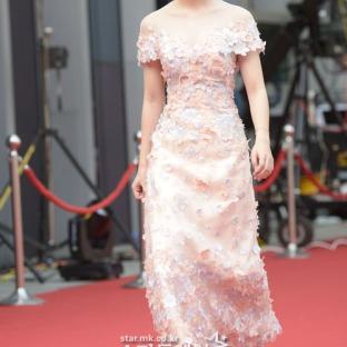 nominowana do najlepszej nowej aktorki LEE JAE IN