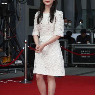 nominowana do najlepszej nowej aktorki PARK JI HOO