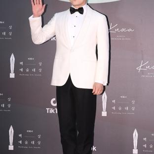 JO JUNG SEOK - nominowany za rolę pierwszoplanową