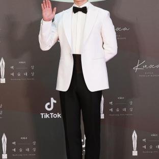 JUNG HAE IN - nominowany jako nowy aktor