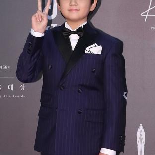 KIM KANG HUN - nominowany jako nowy aktor