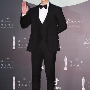 LEE JAE WOOK - nominowany jako nowy aktor