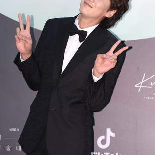 LEE KWANG SOO - nominowany za rolę drugoplanową / zdobywca nagrody