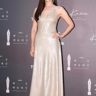 SON YE JIN - nominowana za rolę pierwszoplanową