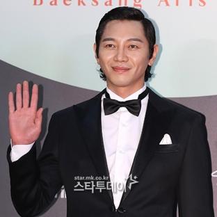 WON HYUN JUN - nominowany za rolę drugoplanową